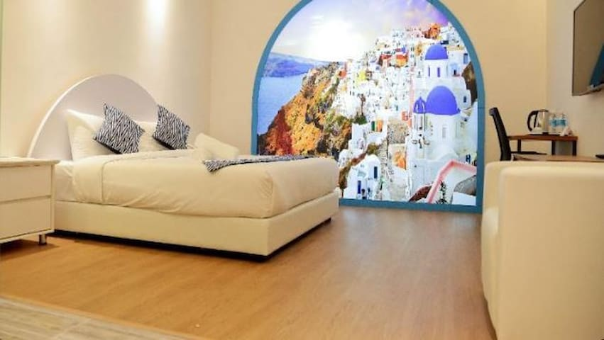 JL Co-Living 3-Star Boutique Hotel   2 PAX