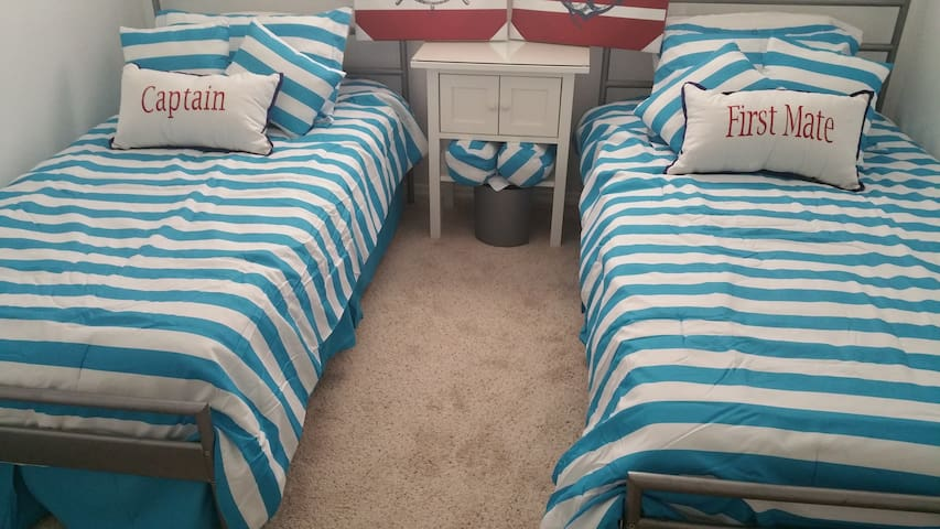 Guest Room Twin Beds