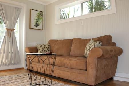 Private Cozy Guesthouse - Prime East Hill Location - Pensacola - Rumah Tamu