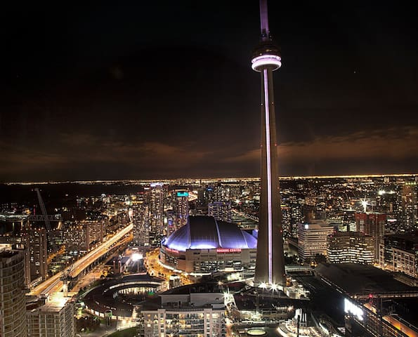 ★★★★(41) AIR CANADA CENTRE-Financial District-CN