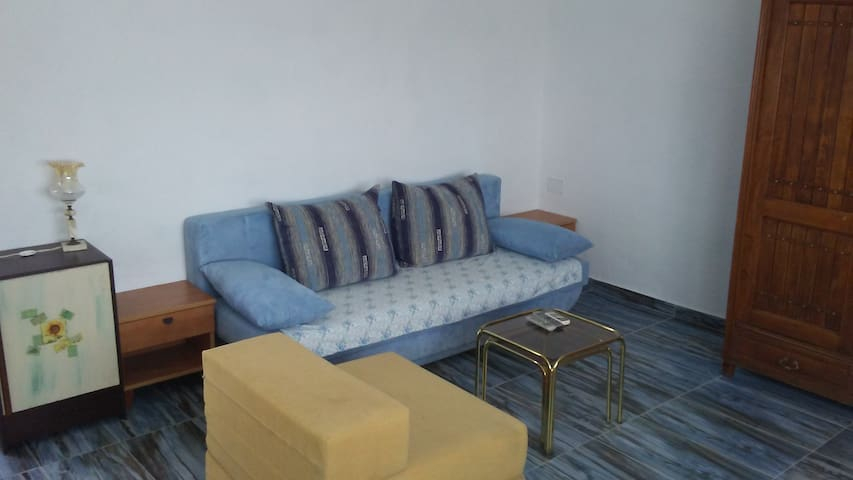 Studio apartment only 5km from the beach