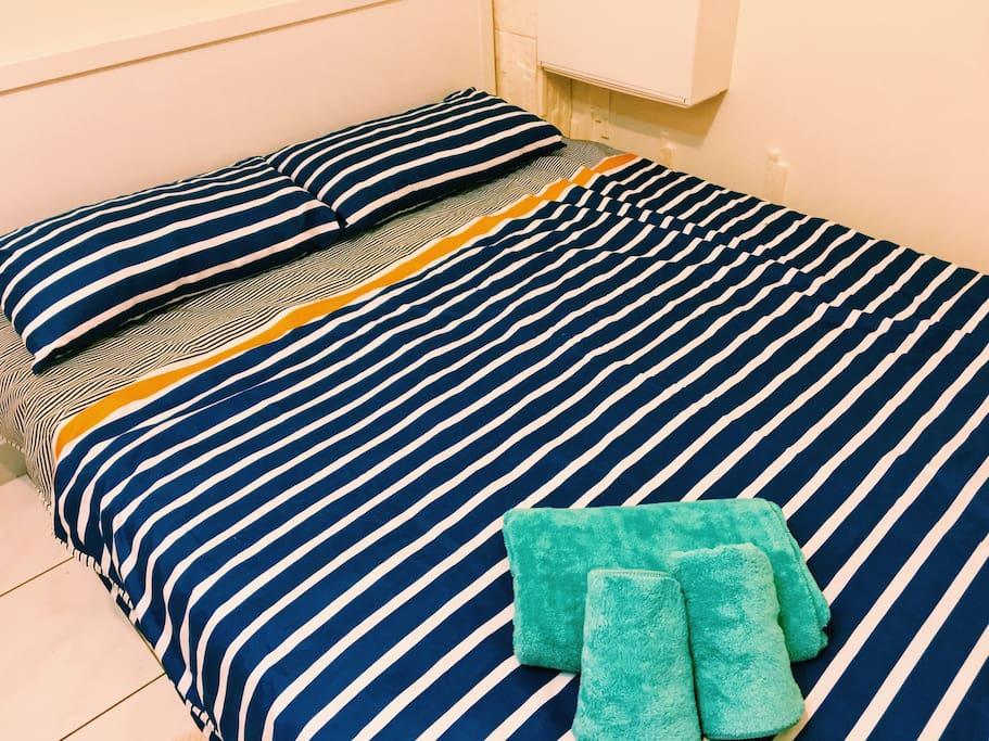 乾淨舒適雙人床