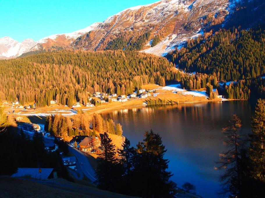 Blick auf das Haus und Davoser See