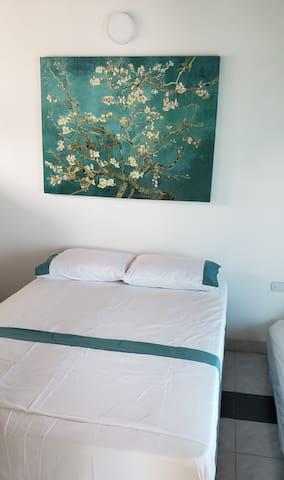 2da Habitacion . Comoda cama doble con tarima auxiliar en el segundo piso Angelopolis del Mar