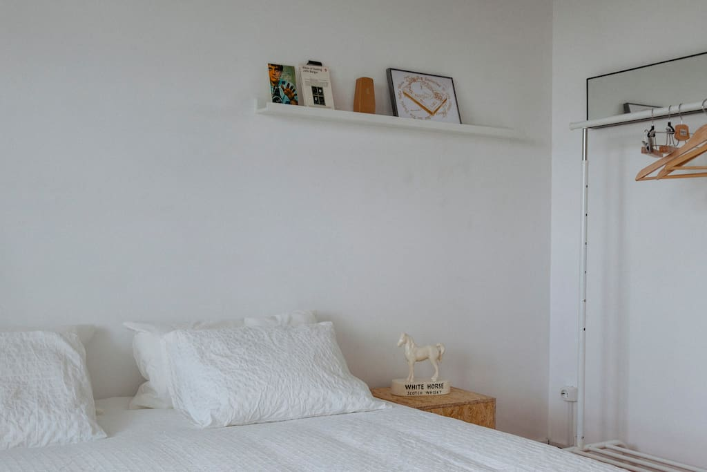 Bedroom Lic. 52919/AL