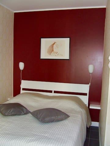 bed/lit 1.60 - 2.00 m