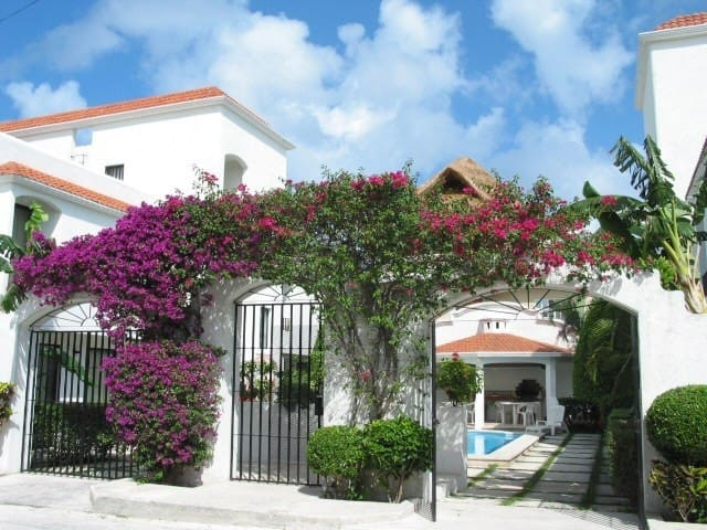 Casa Martillo Condo #1,  Two  bdrm, 4 blks to sea - San Miguel de Cozumel - Departamento