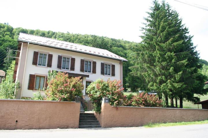 Location chalet Gite de LA HUTTE ** - Bussang - Huis