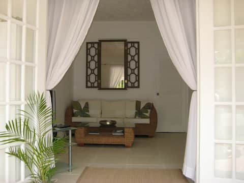 Starfish! - Stylish 1 bedroom apt in Holetown!