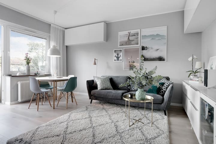 Modern and bright 1 bedroom apt south of Södermalm