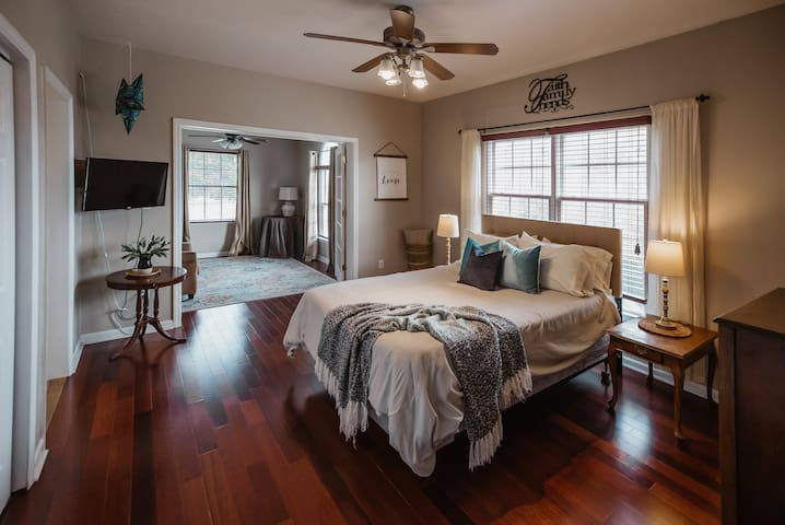 Master Suite - New King Tuft & Needle Bed