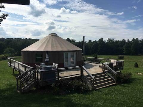 Enchanting Floyd Yurt near Blue Ridge Parkway