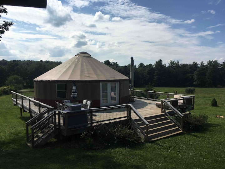 Enchanting Floyd Yurt near Blue Ridge Parkway