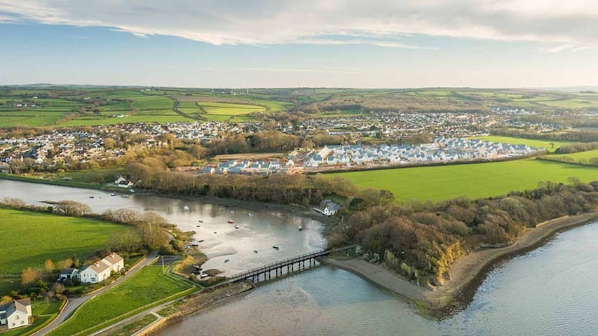This is the view of Riverside park, our estate, on the right hand side looking back from Fremington Quay. We have access onto the Tarka trail.
