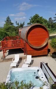 Roulotte viticole et son spa privé