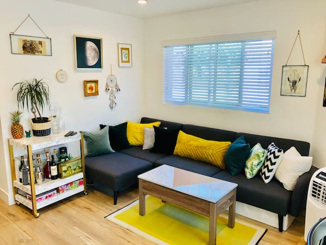 ARTBNB❤️NEW❤️poolVIEW❤️business❤️LAX❤️ECO❤️kingBED
