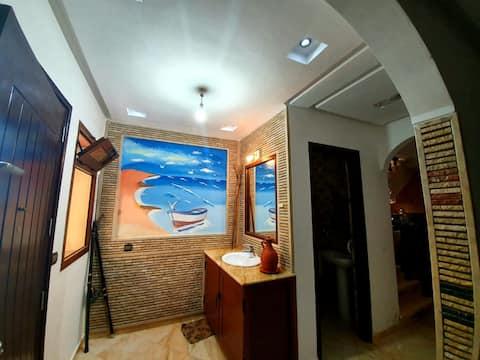 Superbe Villa au bord de la mer (5km d'Aglou)