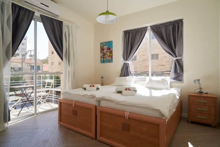 New Luxury Apt- In Jerusalem center