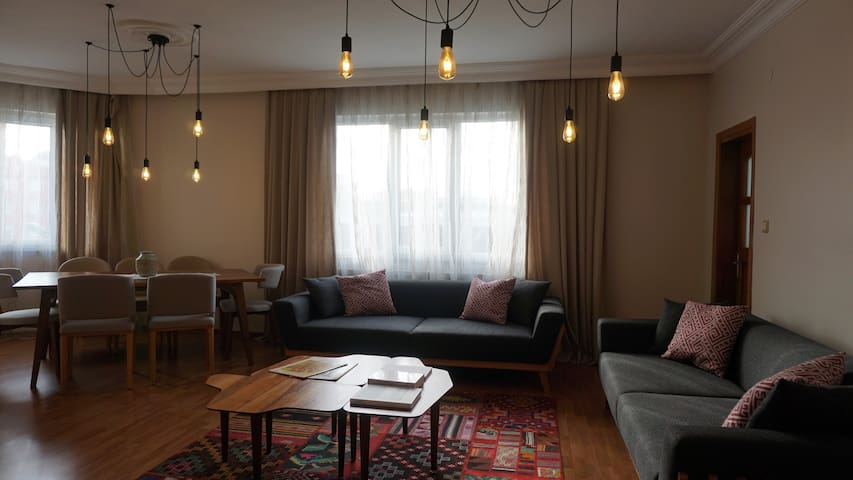 Büşra's Couches - for female guests