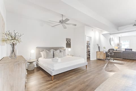 Upscale- Hotel-Like Home In The Historic District