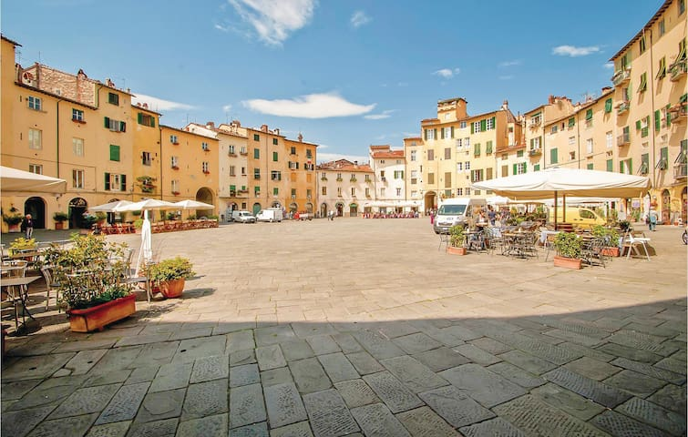 Holiday apartment with 1 bedroom on 60m² in Lucca -LU-