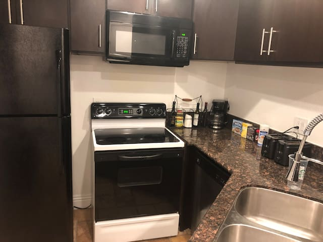 1BR/BA near Strip/Convention Center No Resort Fees