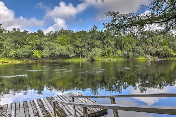 NEW! 2BR Live Oak House On River w/ Private Dock!