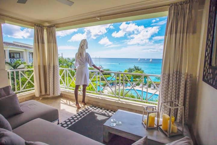 Designer Penthouse - Amazing Views & Location