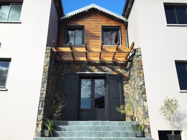 Villa Kazuera SPA Chambre Cascade - Cilaos - Hotellipalvelut tarjoava huoneisto