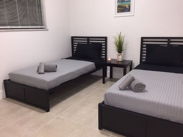 5-2 Bedroom Units in Little River/Little Haiti - Miami - Apartamento