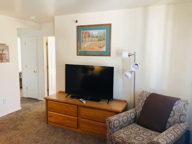 Yogi Bear Apartment, 5 blocks to Yellowstone Park