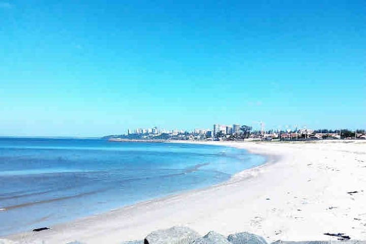 Welcome to Maputo Beach ( tourist attraction)