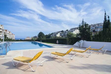 Moderno apartamento al lado del mar con piscina - Calp - Wohnung