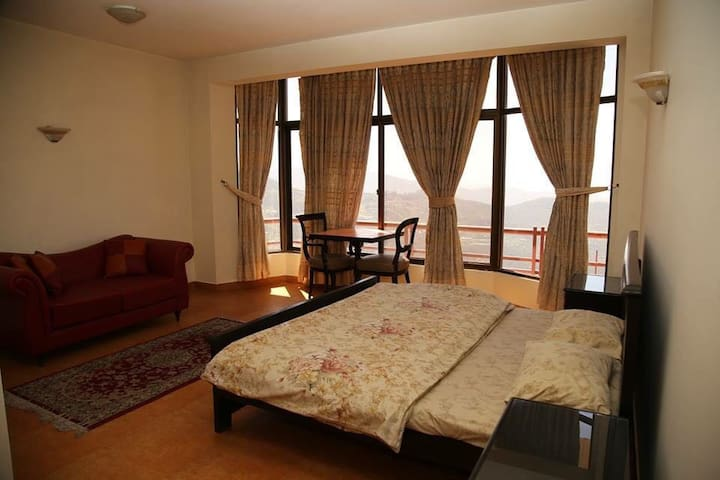 697 East View Resort - 3 bed flat (3rd floor)