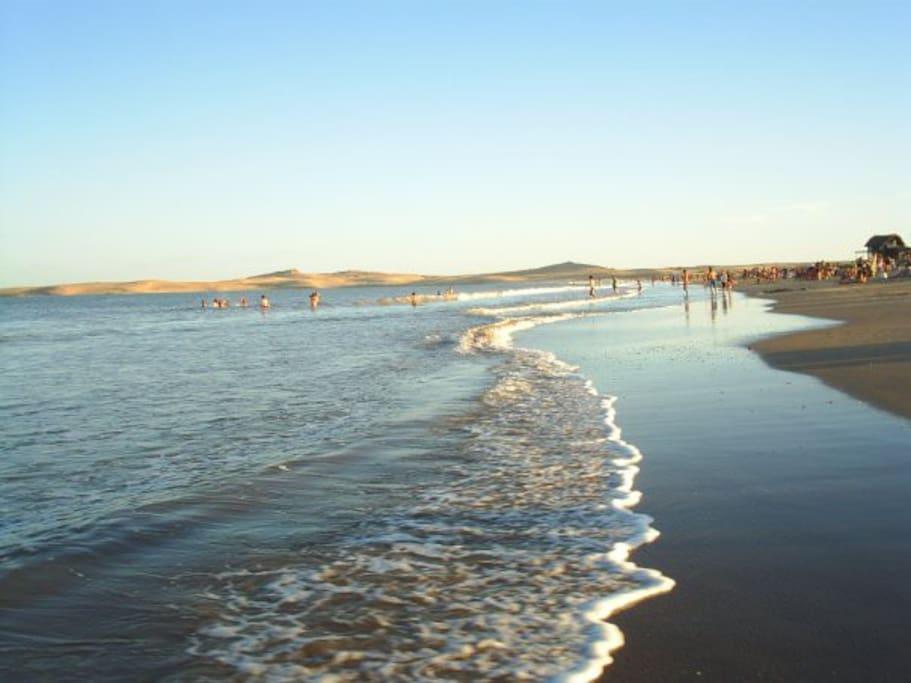 Sol, dunas y mar. Barra de Valizas lugar mágico.