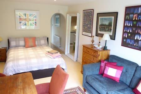 1 Bed Apartment, Shenington, North Oxfordshire