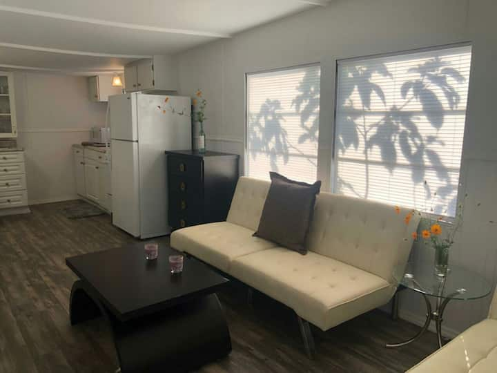 Ormond Park - Cozy mobile home near Art District