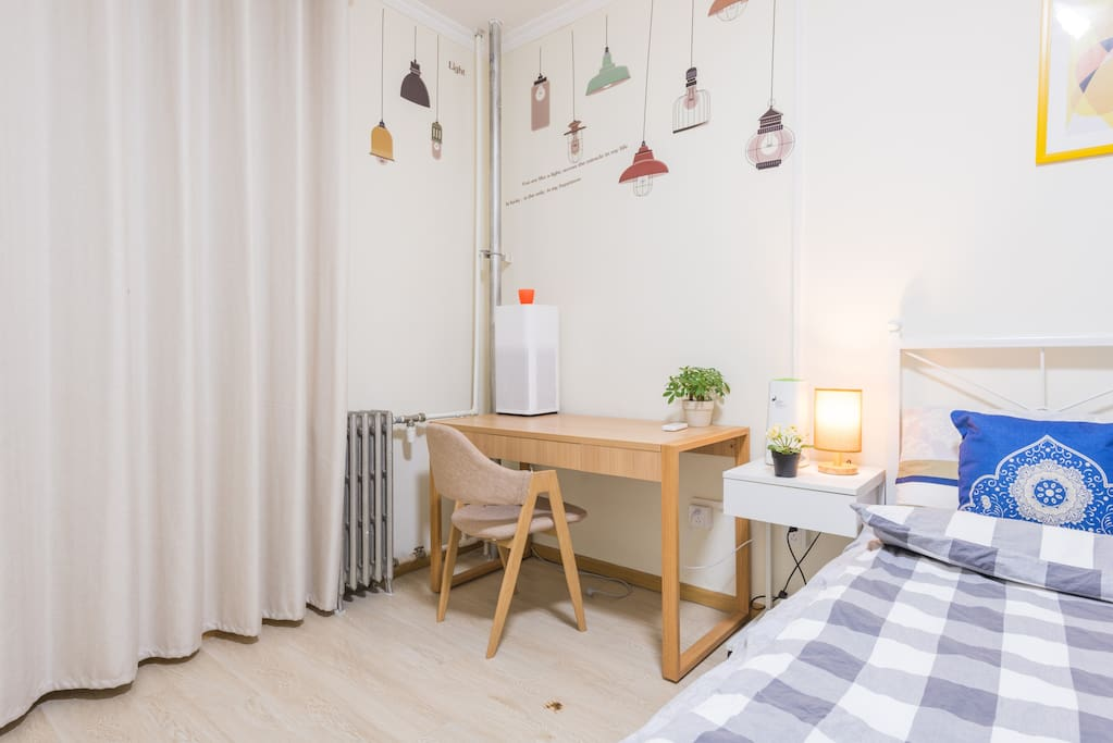 主卧全景~~(Soft bright master bedroom)
