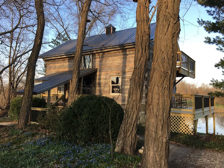 Hutch House - historic home in quiet setting
