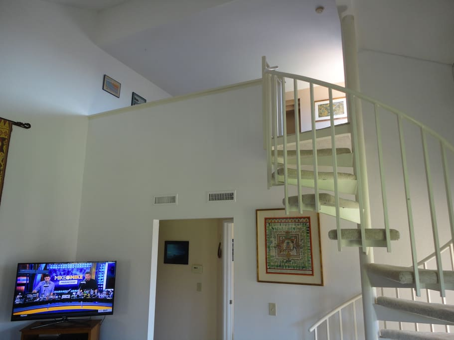 flatscreen, direct tv, upstairs loft/yoga room