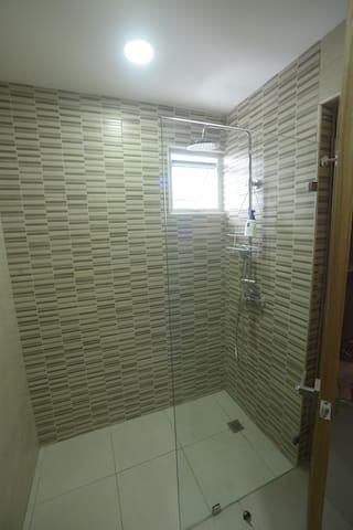 Cabina de baño principal
