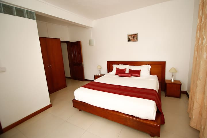 Very spacious Master Bedroom  with ensuite bathroom (Super King bed)