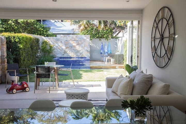 Resort style Mosman retreat.