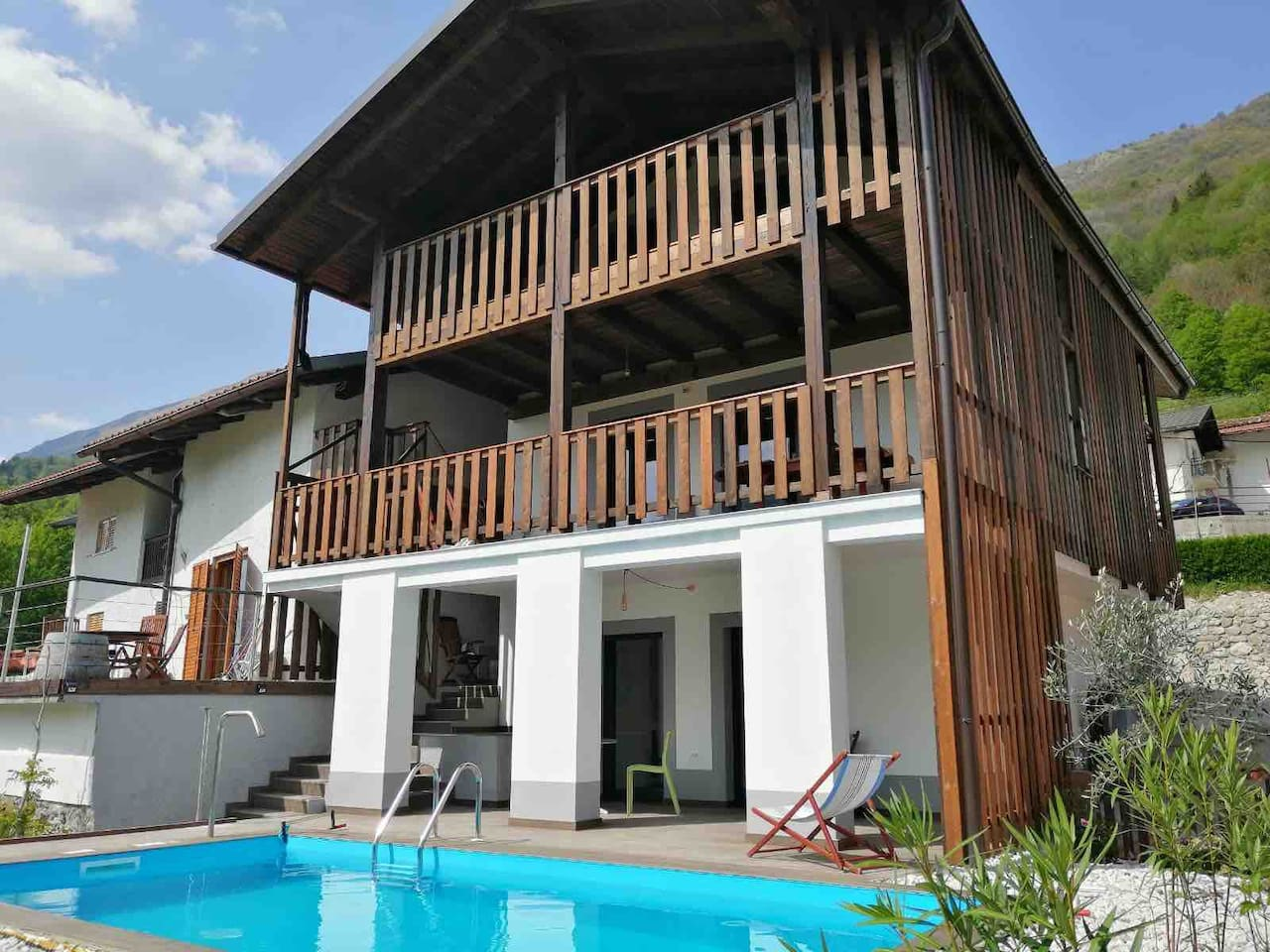 The hisa Hansa is on the first and second floor from the Southern part, we also have a Studio downstairs with the SHARED swimming pool