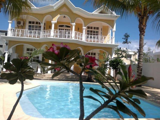 Private Villa - Mauritius Island - Flat