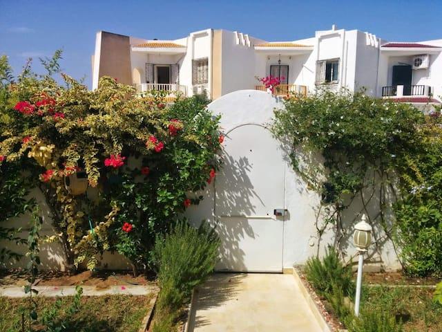 Maison reposante au bord de mer Tunisie