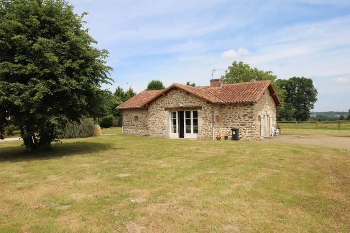 Maison à la campagne proche d'un centre équestre