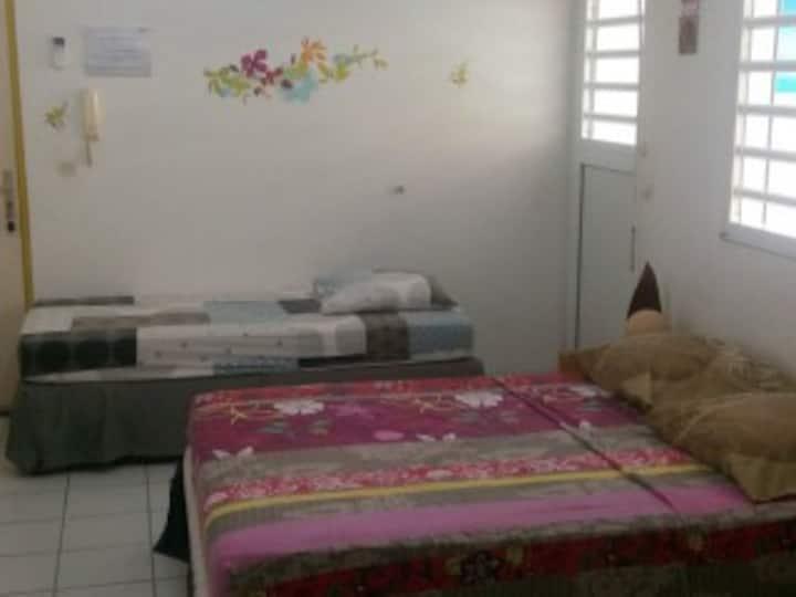 Grand studio tout confort dans une résidence calme