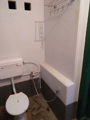Second Floor Wash Room