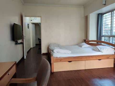R07 - AC Studio apartment in Koregaon Park.